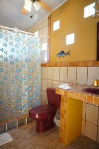 Bathroom_Cabinas